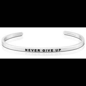 """Mantraband Silver """"Never Give Up"""""""